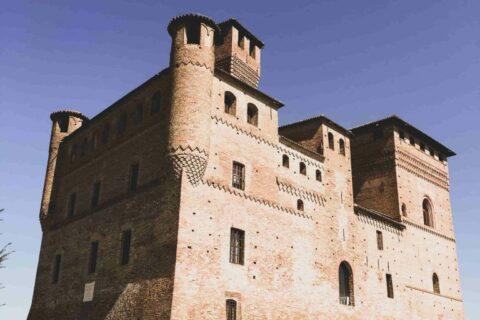 """""""Una gita tra i meravigliosi castelli delle Langhe"""" è bloccato Una gita tra i meravigliosi castelli delle Langhe"""