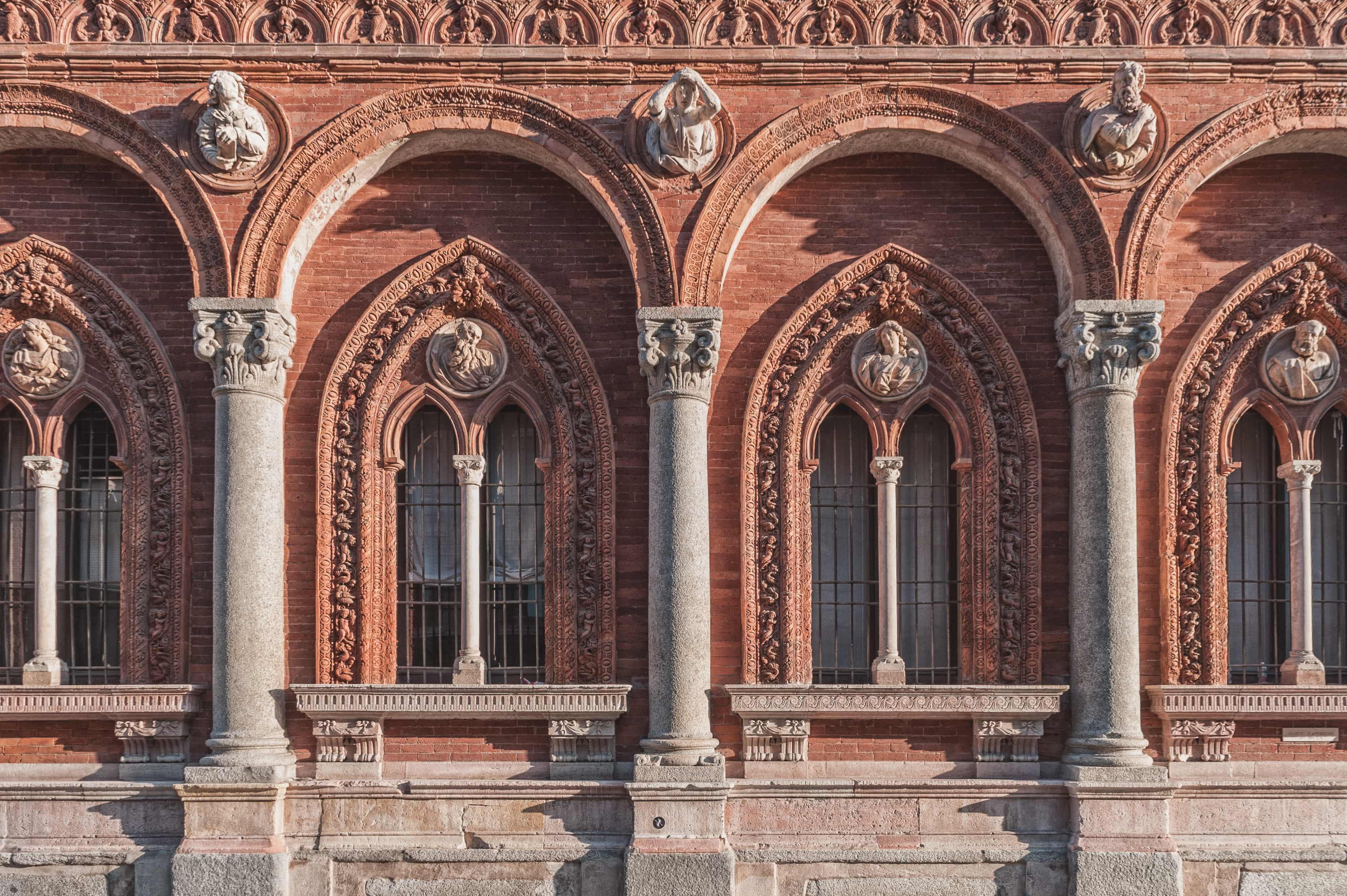 LE STRADE DI MILANO Il blog su Milano per esploratori urbani. Amiamo catturare i cambiamenti di Milano e andiamo alla ricerca di negozi, ristoranti e locali dove stare bene. Li proviamo e vi raccontiamo le nostre migliori avventure.