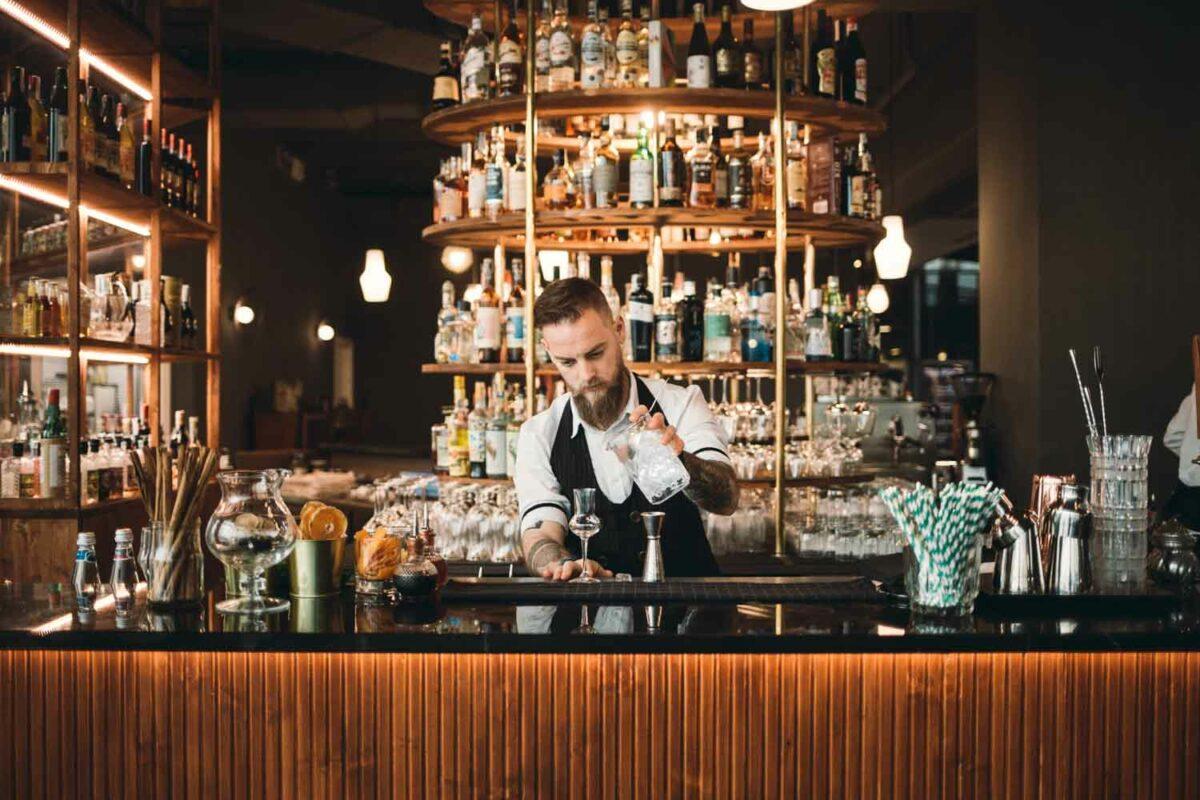 Distilleria Torino [chiuso] – Come uscire dal mercato centrale senza avere la gola secca