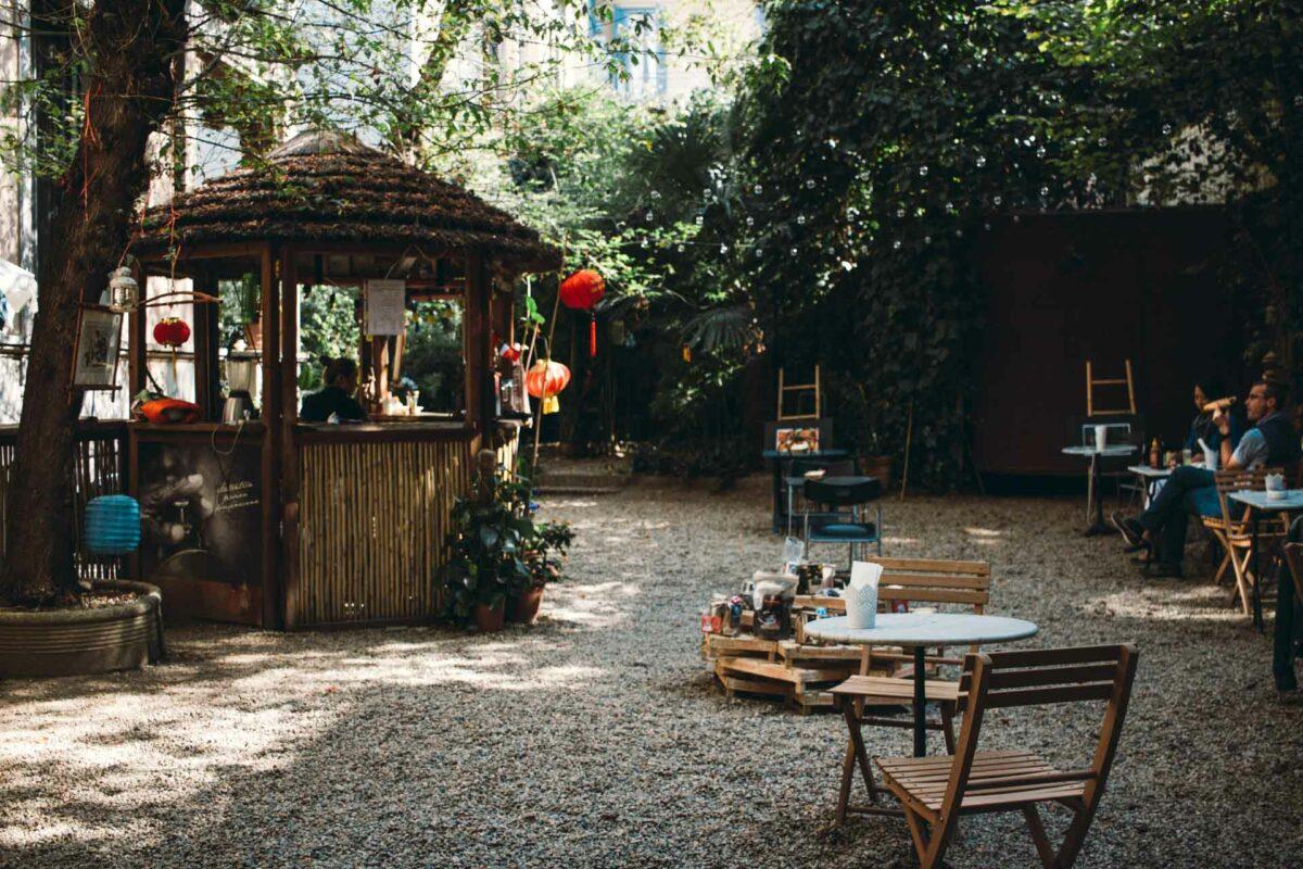 Viet Caffè: leggere e sorseggiare caffeina dove il Mekong incontra il Po
