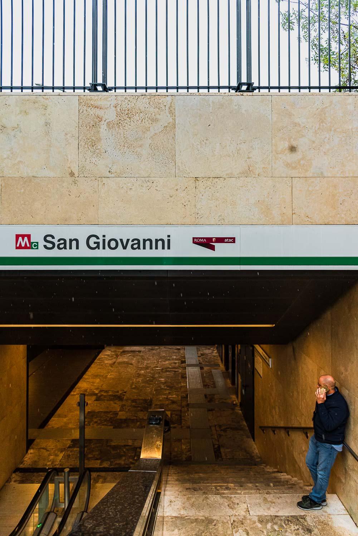 Ingresso fermata metro C San Giovanni Roma