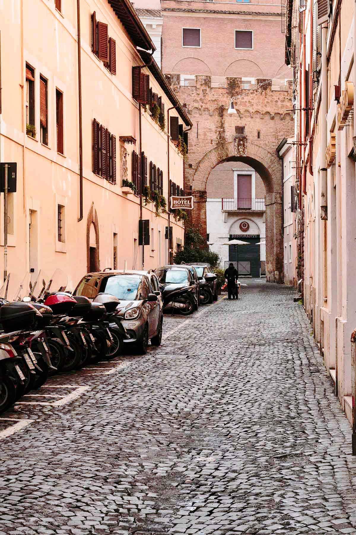 Vicolo delle Palline, edifici storici del XVI e XVII secolo