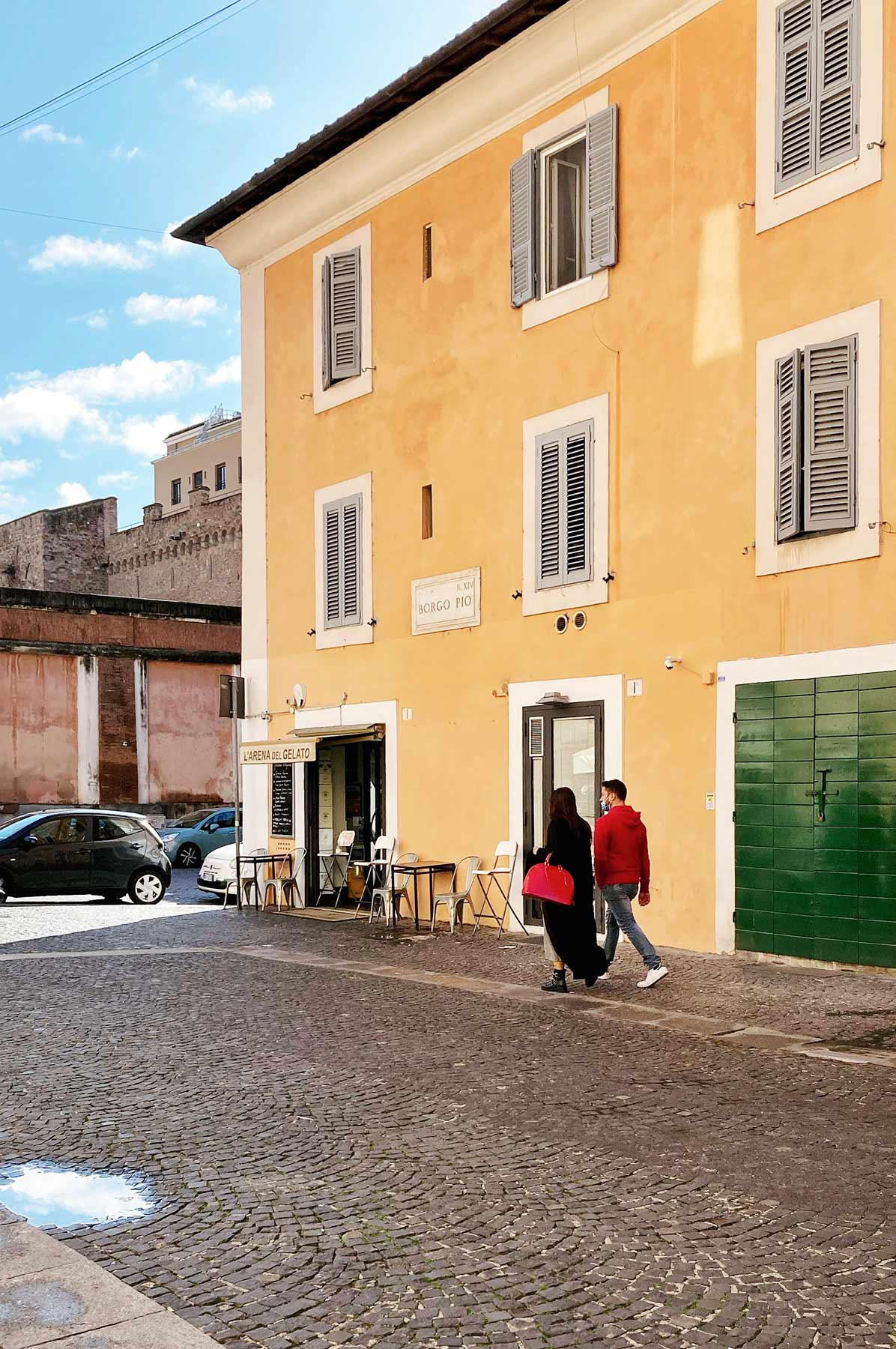 Borgo Pio, strada pedonale con sanpietrini