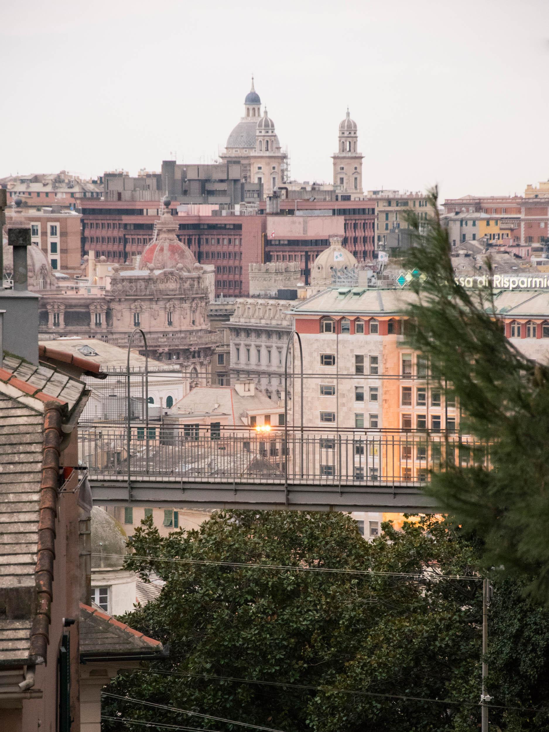 Camminare sospesi a Genova