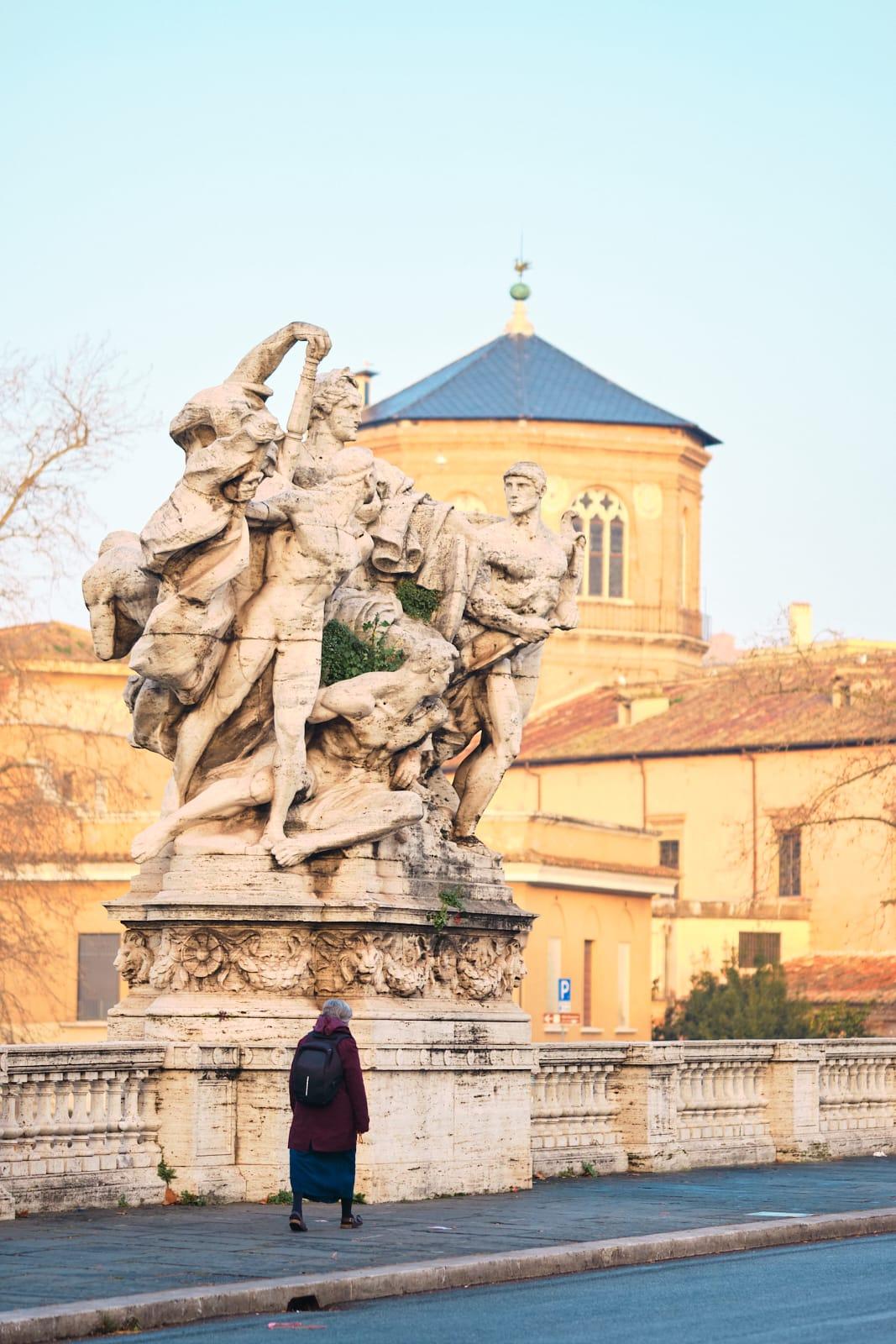 Gruppi scultorei, Ponte Vittorio Emanuele II, Roma