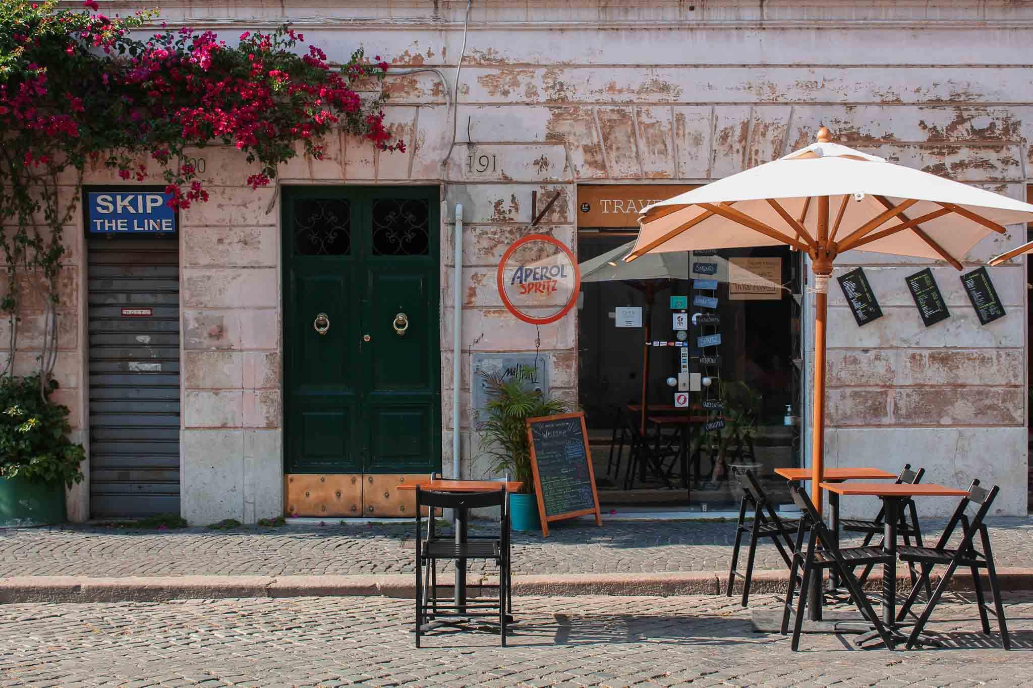 Marta Ray Travel Book Bar, il concept ibrido tra innovazione e convivialità