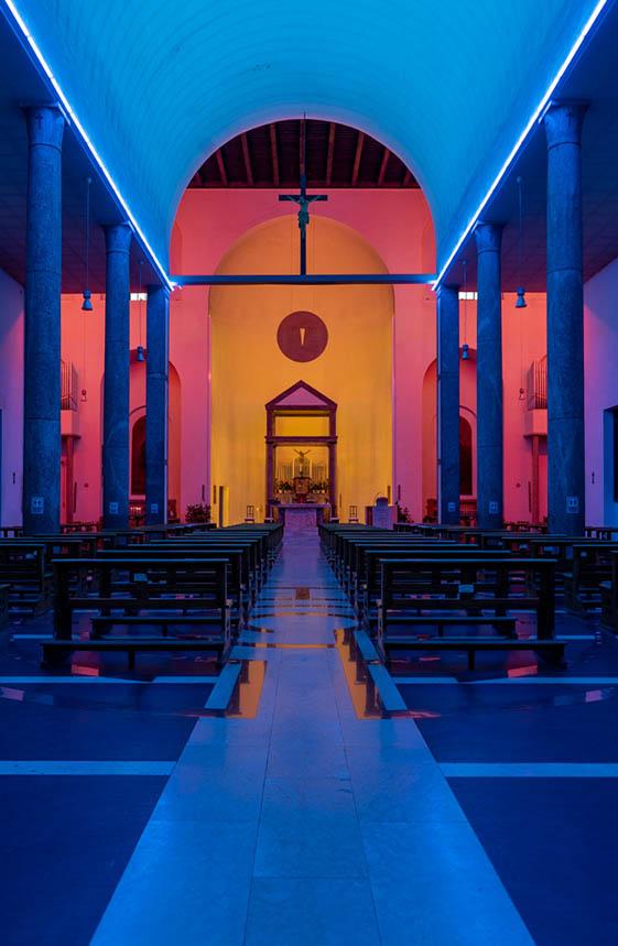 milano dan flavin chiesa rossa